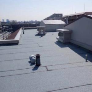 大規模修繕17週目の進捗状況は屋上の防水工事がメイン