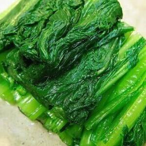 青菜を茹でるときに塩を加えることは本当に必要なのか?