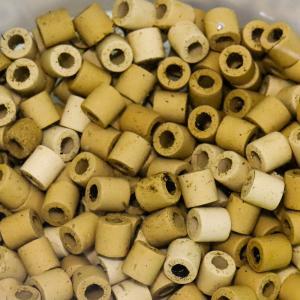 水槽のろ過器に使用するろ材の種類や特徴について分かりやすく説明します。