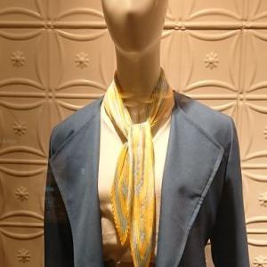 首元を暖かく、おしゃれに。春スカーフで垢ぬけよう!
