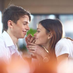 アラフィフ女性と年下彼氏 友人に学ぶ 年下男性に愛される5つのポイント