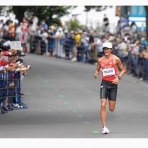 男子マラソンのレース中に、邪念だらけのヨガレッスンを