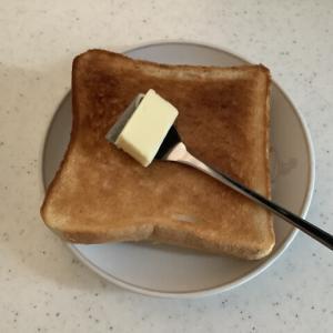 【バターナイフ】もんじゃ焼きヘラがあればバターナイフはいらない