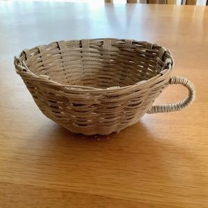 【クラフトバンド】コーヒーカップをティーカップに修正、チューブの木工ボンドは使いやすい