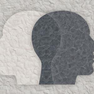 他人(ひと)からどう思われている気になるときは?自己肯定感を高める6つの方法