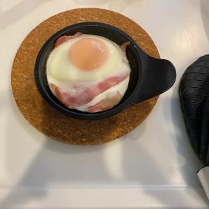 簡単!便利!トースター専用『目玉焼きプレート』を使ってベーコンエッグを調理!~テレワーク時代,手間いらずな男の朝食におすすめ!