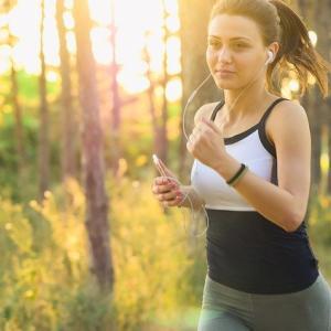 20代女性から人気の大きい胸でも安心でホールドも高いスポーツブラ