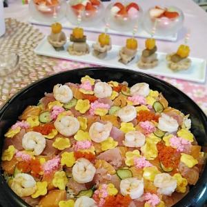 ひな祭り お花畑のちらし寿司とピックに刺したもの達