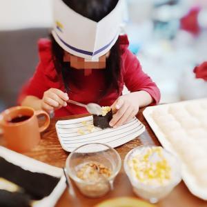 画用紙で簡単お寿司やさんの帽子 おうちでお寿司屋さんごっこ