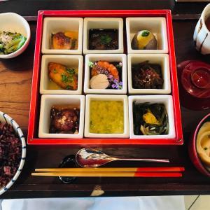 星のや竹富島の朝食と昼食、インルームダイニングをご紹介