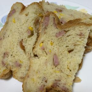 ウインナーとコーンの食パン♪
