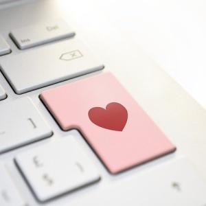 オンライン婚活は婚活市場に革命をもたらすのか?