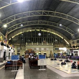タイ国鉄 フアランポーン駅からノンカイ行き寝台列車(映像付き)