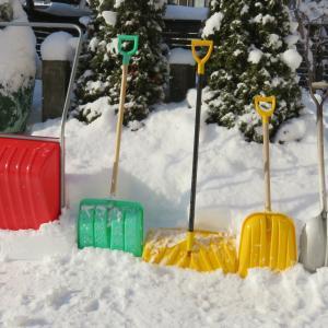 雪かきスコップは何を使えば良いの?東北に住む私がオススメを紹介します!