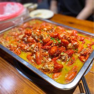 【好吃】ザリガニが美味しい季節が来ました。-安答烤鸭・龙虾烧烤城ー