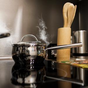 【一人暮らし】コンロ1つの自炊方法!パスタを使ったレシピを紹介!