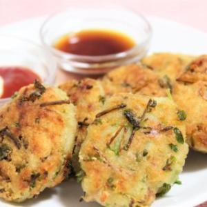 【レシピ】豆苗&ツナ缶入り♪ もっちり食感が嬉しい「おから餅」