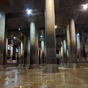 外郭放水路調圧水槽 ~ 地下神殿 ~