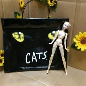 猫の救い ―劇団四季ミュージカル『キャッツ』―