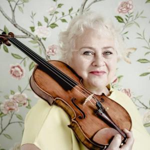 ウィーン 国立音楽大学  ドーラ・シュヴァルツベルク教授の誕生日