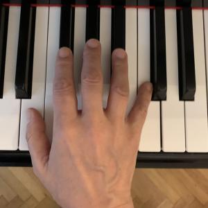 ピアノ 手の形を整えるオススメの方法