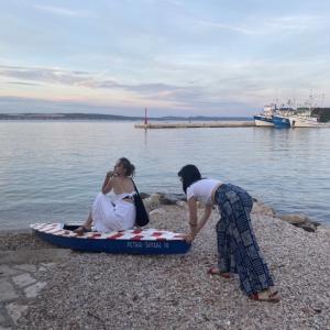 ウィーンの子供たちはどんな夏休みなのかな?の件、今日の日記とクロアチアの海