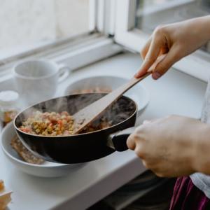 【おうちで料理】料理は見て楽しめる!料理が出来なくてもあきらめないで!