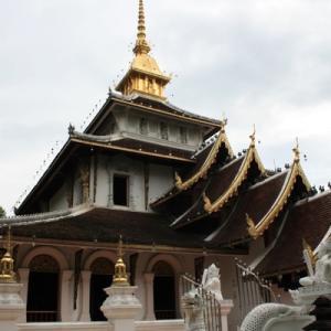 ワット・パーダーラーピロム ブッダの歯が祀られている王室寺院