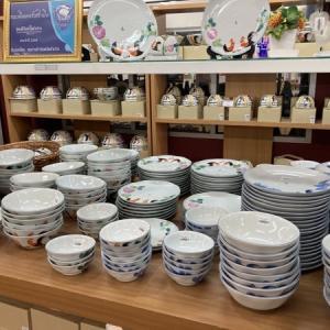 ランパーンのタナバディー陶器博物館で高品質なセラミック食器をゲット