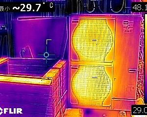 3密対策 エアコンを使いながら換気をする。