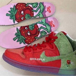 """中二病好みのシューズ!【Nike SB × Todd Bratrud】Dunk High """"Strawberry Cough"""""""