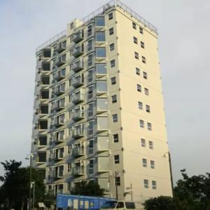 ほぼ1日で建てられた10階建ビル