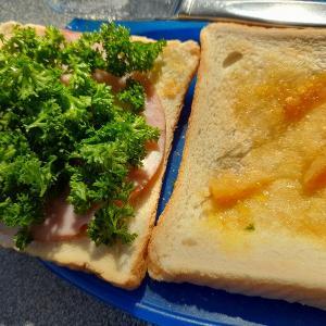 パセリ大量消費サンドイッチ