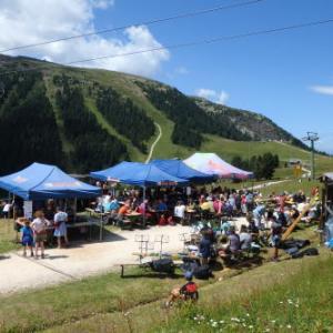 裏山のお祭り&ハイキング