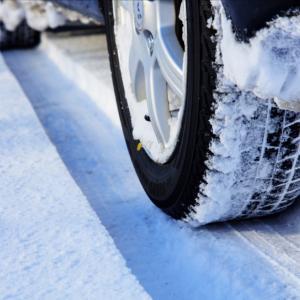 滋賀県はスタッドレスタイヤが必要?時期はいつから?積雪量からお答えします。