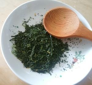 深まる緑、深蒸しのお茶*