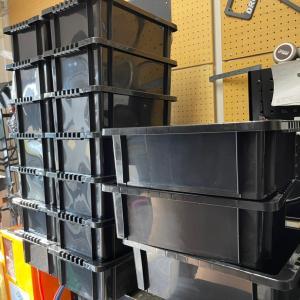 オーバーフロー容器の加工作業