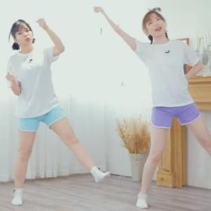 裸よりも逆にエロい!?香港の踊り手さんのムチムチすぎるショートパンツ。揺れ・美脚・お尻とバランスよくジャンルごとに良作が出てたので紹介。最後はこんな構図で笑顔ダブルピースされたらたまらん!な動画でしめました。