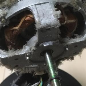 あの掃除機・空気清浄機のダイソンからヘアブラシが登場 種類は何種類あるの?