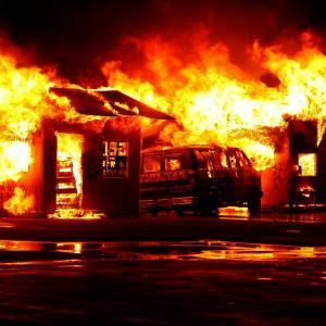 壁の穴、ドアの破損など、賃貸住宅のトラブルを火災保険で解決する方法