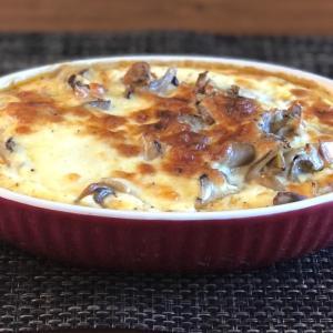 サバ缶レシピ【クリーミーチーズな海で身を崩したキノコと鯖】