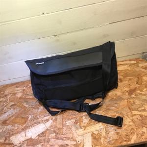 CHROME発 タフで機能的なメッセンジャーバッグ