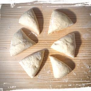 焼き加減をきにして白パンさん・・・。温度調整と発酵焼き時間はパンのいのち・・・。