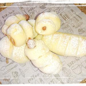 天然酵母パンにしたい 白パン生地で簡単 ウィンナーパン 子供と一緒にコネコネぐるぐるまきまきパンですよ