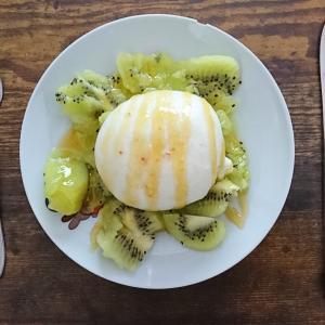 【カルディ】カルディのブッラータチーズが神です。おすすめの食べ方も。