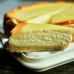 レストランでチーズケーキやエスプレッソの表記は罰金?ケベック州フランス語局の行き過ぎた対応