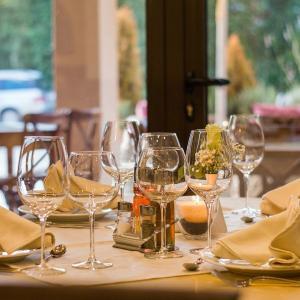 フランス王道スカッとするバラエティー番組:つぶれかけレストランを立て直せ Cauchemar en cuisine