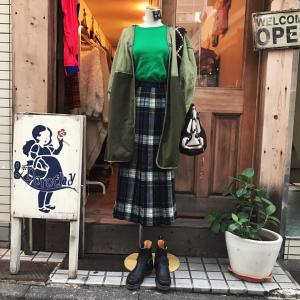 ♪グリーンカシミアニット×チェック柄ウールスカート×50'sビンテージUSARMYライナーコート