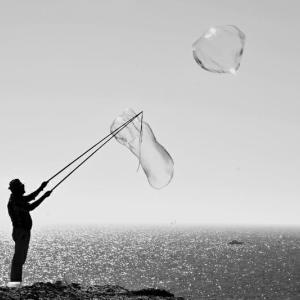 今の株価はバブル気味?株価が暴落した時どうしたらいいか教えます