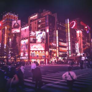 【Photoshop】街をサイバーパンク風に加工し魅惑的な街にする